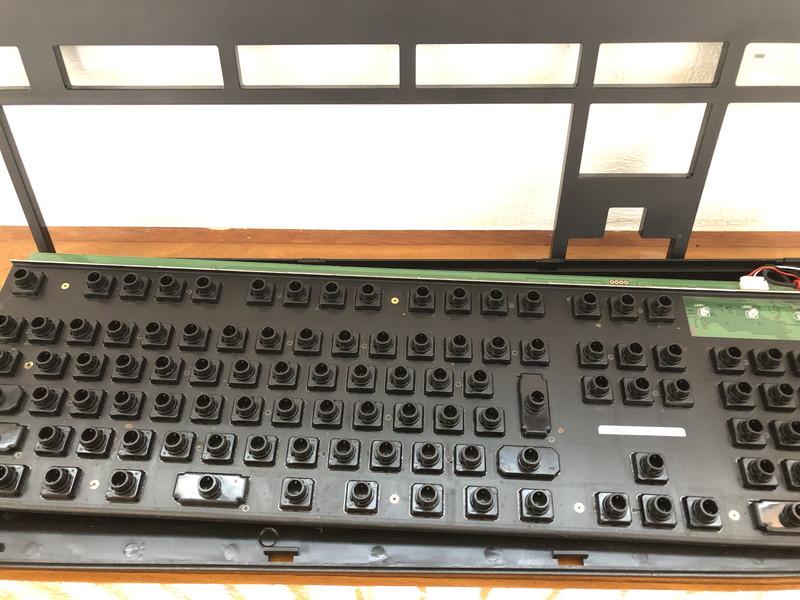 東プレのキーボード「Realforce108UDK」内部の掃除後の写真1