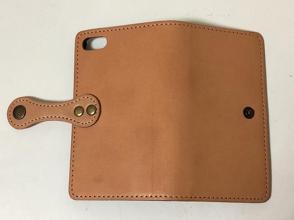 栃木レザーの手帳型iPhoneケース(購入時)